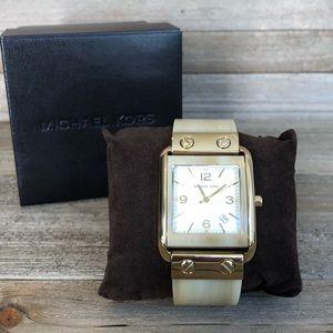 ⌚️ Michael Kors Ladies Bangle Watch - Goldtone